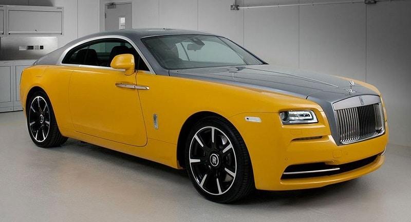 xe màu vàng đậm