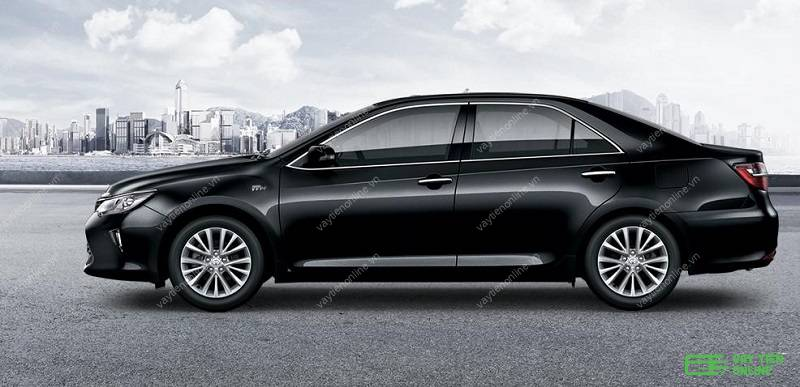 xe oto màu đen