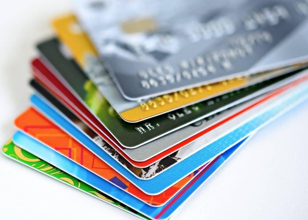 Thẻ ngân hàng là gì? Phân biệt các loại thẻ ngân hàng