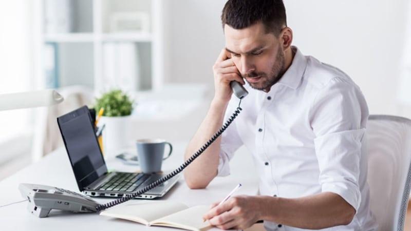Khi gọi đến số Hotline SHB khách hàng sẽ được giải đáp mọi thắc mắc và khiếu nại