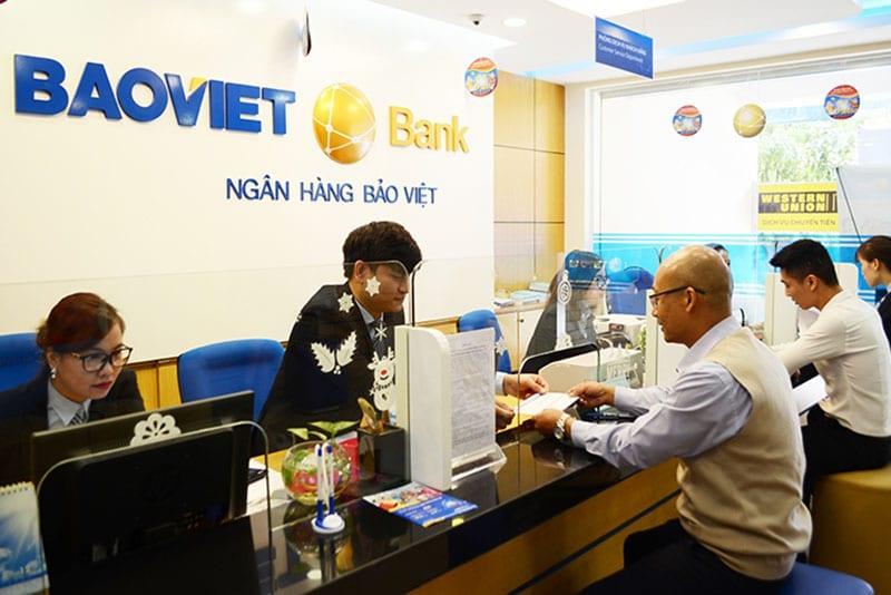 Ngân hàng Bảo Việt cung cấp sản phẩm dịch vụ đến khách hàng cá nhân và doanh nghiệp