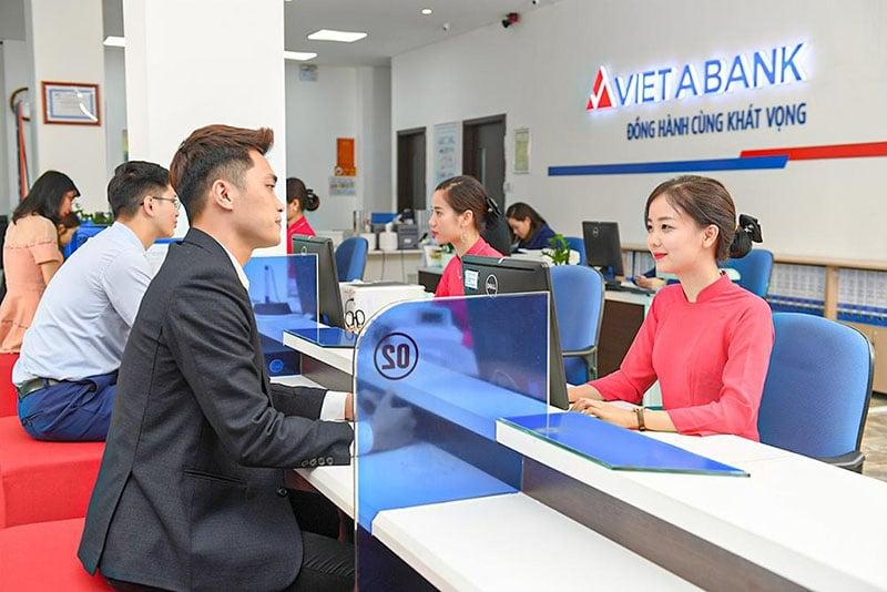 Việt Á bank cung cấp các sản phẩm dịch vụ cho khách hàng cá nhân lẫn doanh nghiệp